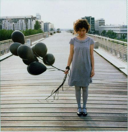 La défense black balloon Cropped